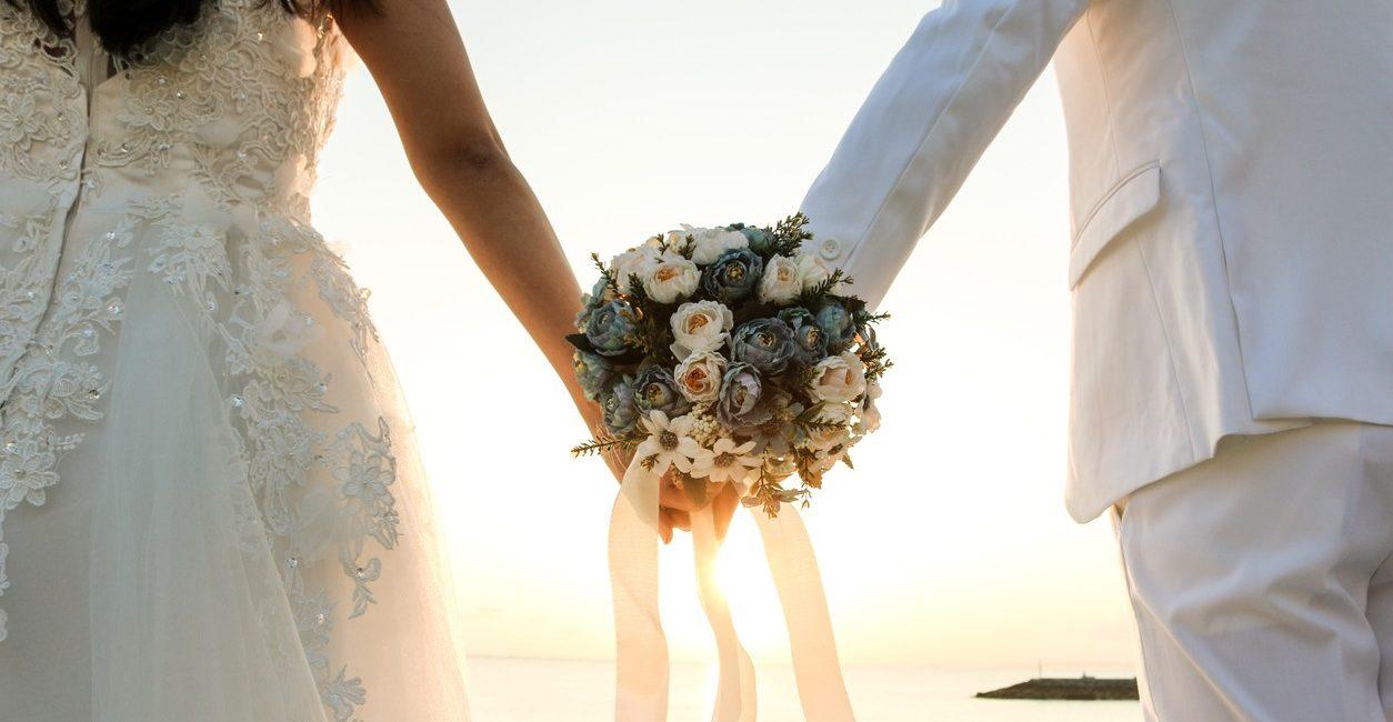 Δωρεαν βοηθεια στα ζευγαρια που αναβαλλουν το γαμο τους Sparkling Day