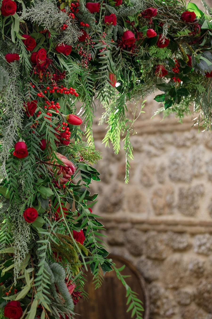 20-Christmas-wedding-editorial