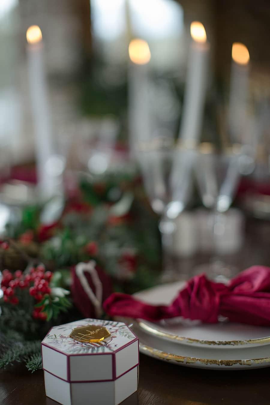 24-Christmas-wedding-editorial
