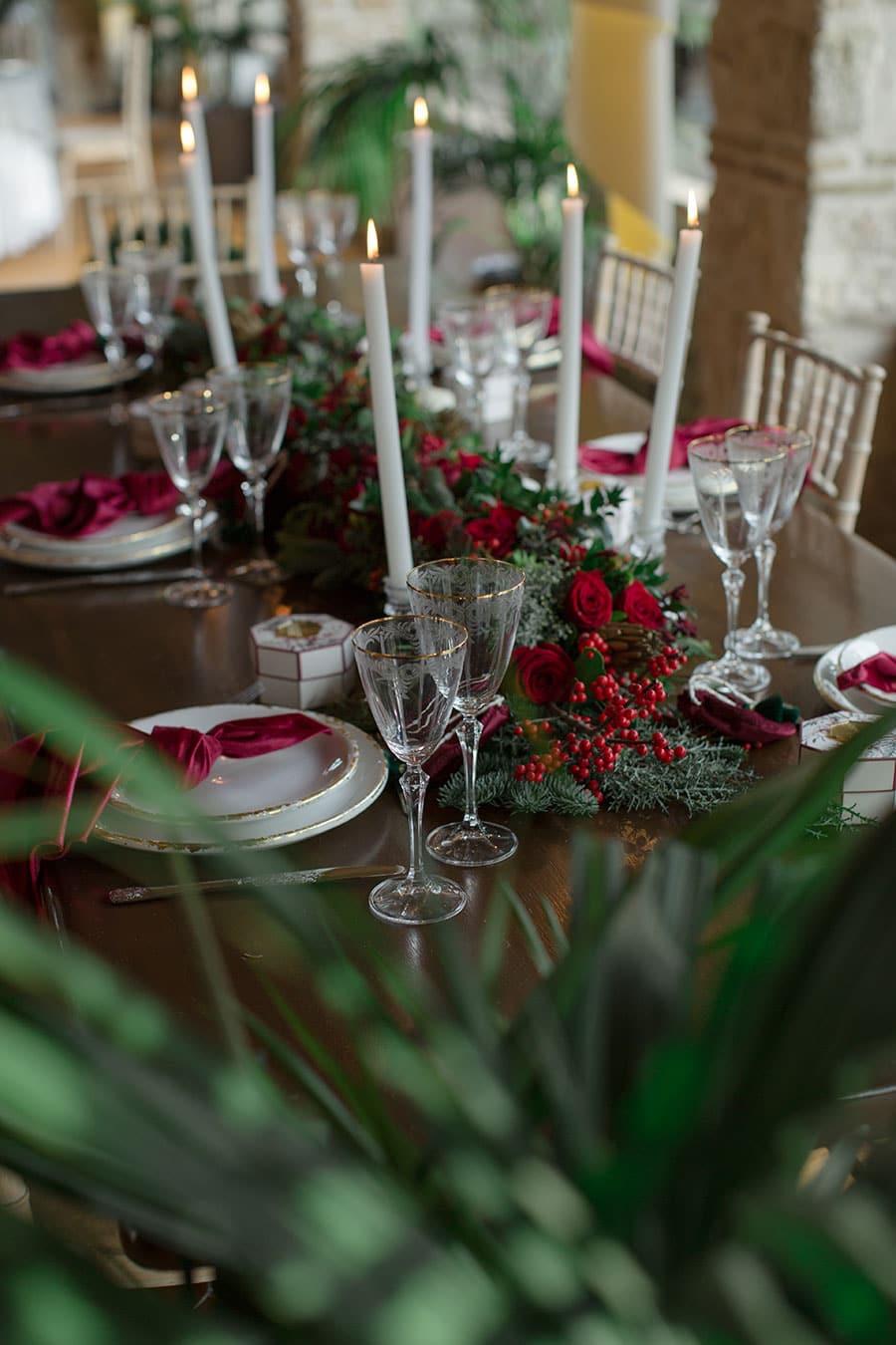 30-Christmas-wedding-editorial