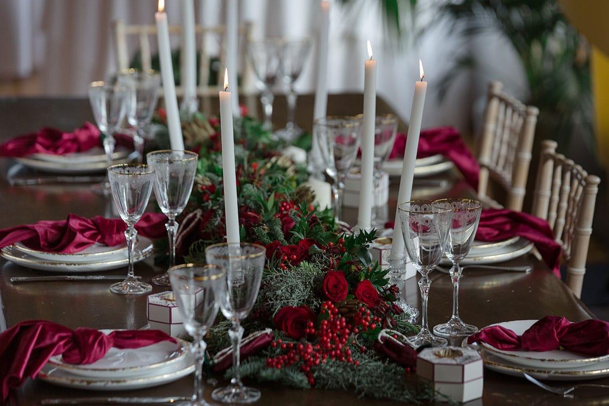 31-Christmas-wedding-editorial