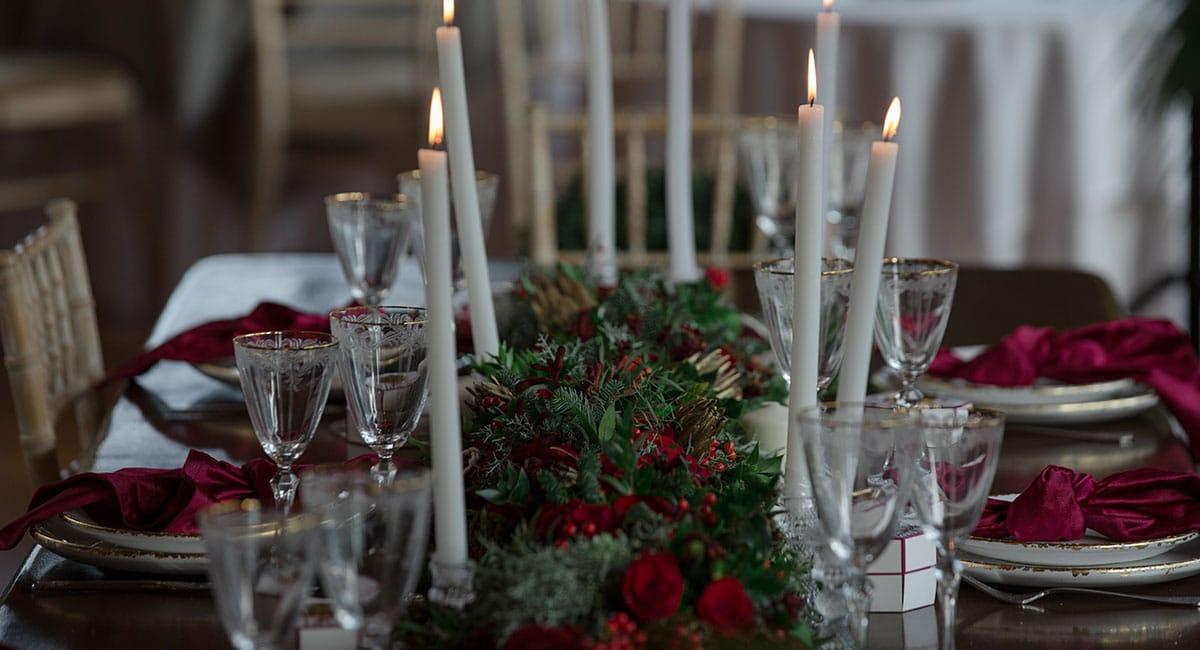 32-Christmas-wedding-editorial